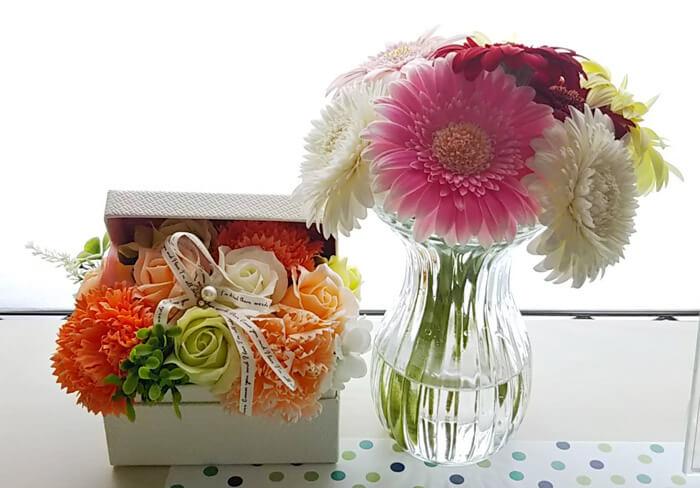 ソープフラワーと生花の写真